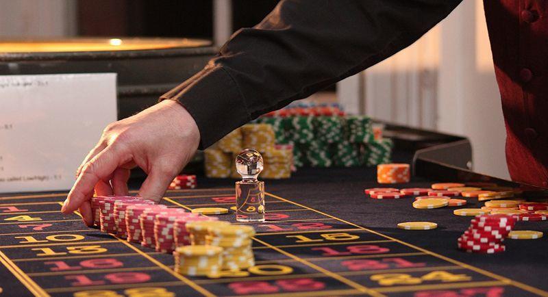Казино играет с психологией как обучиться онлайн покеру